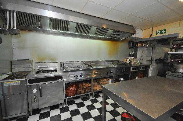 Te koop, goed Gezellig bekend staand Burgerbar-Restaurant met ruim terras in Barneveld    foto 12