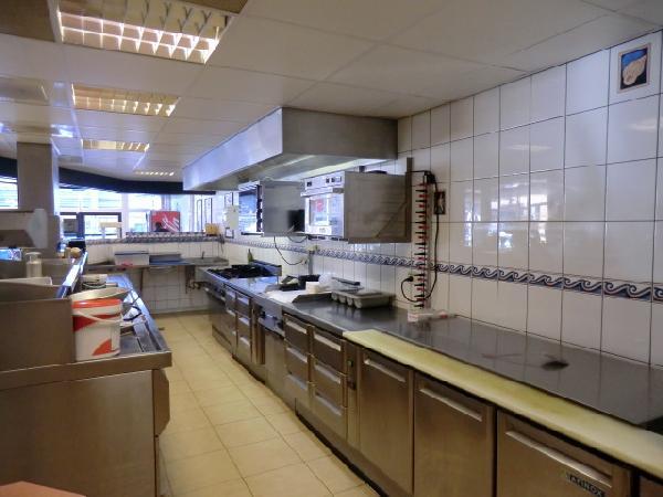 Leeuwarden  lunchroom in winkelcentrum foto 7