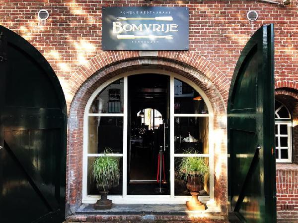 Goede locatie in prachtig historisch gebouw te huur in centrum Terneuzen. foto 1
