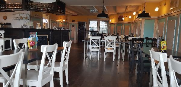 Cafe / Restaurant / Terras aan vaarwater Giethoorn foto 23