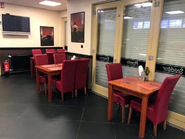 Cafetaria op een hoeklocatie te koop in Eindhoven foto 3