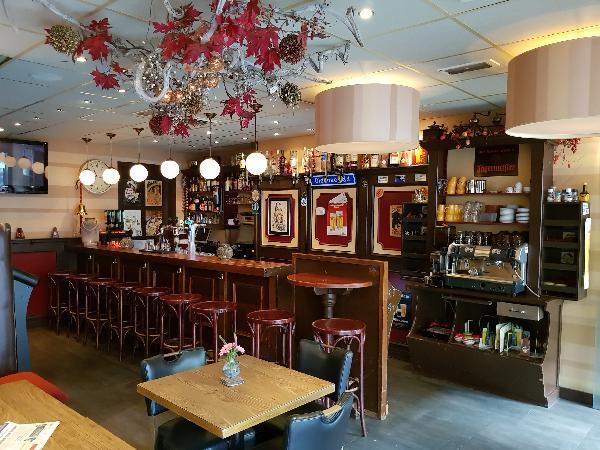 Cafetaria Eetcafé op super doorloop locatie in winkelcentrum met veel passanten  foto 15
