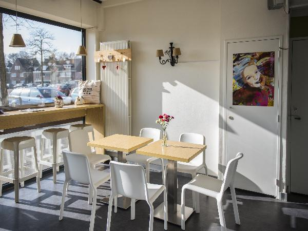 IJssalon, Stomerij en lunchroom in Echt (Limburg) foto 7