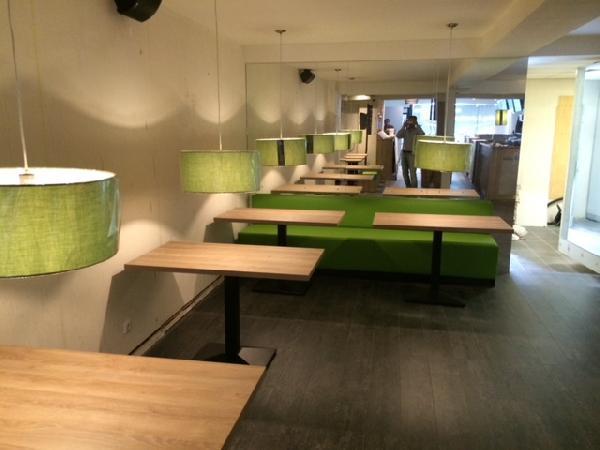 Cafetaria & Grillroom met ruim terras in centrum Veenendaal foto 2