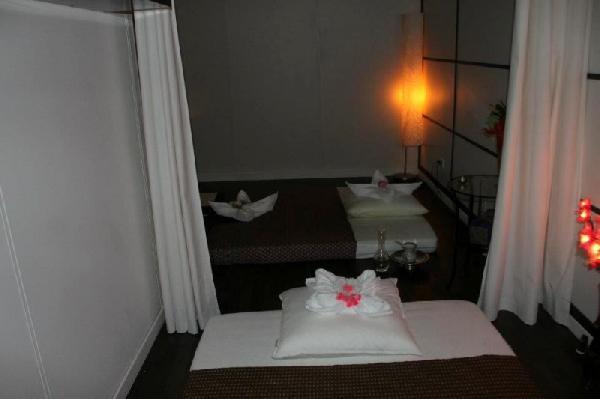 Massage/ beautysalon ter overname aangeboden in Den Bosch foto 8