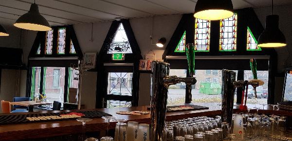 Eetcafé op driesprong aan doorgaande weg vanuit het centrum Deventer foto 11