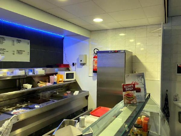 Cafetaria met bovenwoning te koop in Helmond foto 5