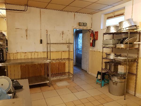 Afhaal/bezorg restaurant met grote Catering keuken en ruime bovenwoning met groot terras foto 11