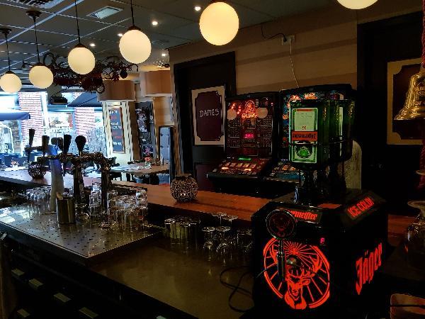 Cafetaria Eetcafé op super doorloop locatie in winkelcentrum met veel passanten  foto 19