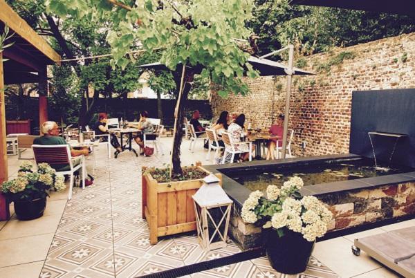 Caffè e Vino in het centrum van Roermond foto 3