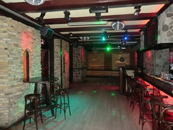 Buitenpost NIEUW overname inventaris Club39/Pub39 VERHUURD foto 6