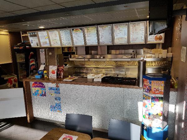 Cafetaria Eetcafé op super doorloop locatie in winkelcentrum met veel passanten  foto 3