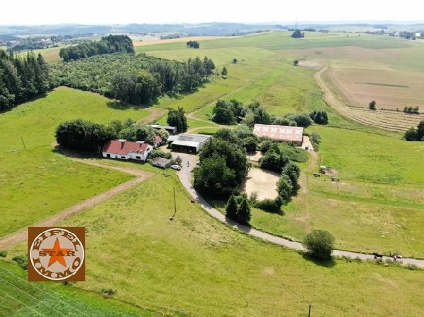 Landgoed/Paardenhouderij met vakantiewoningen foto 1