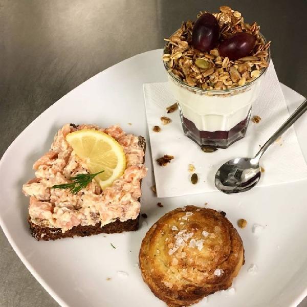 DE NOORMAN Scandinavische Lunchroom Ontbijt Lunch Koffie Taart Catering Take Away foto 14