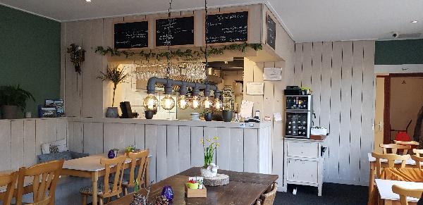 Eetcafé met Terras en Bezorgservice  foto 9
