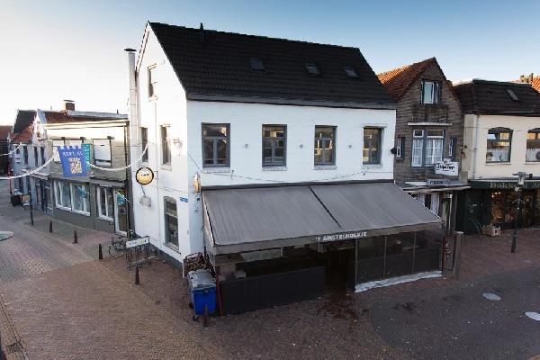 Café in het centrum van Axel met goede omzet in beperkte openingsuren!