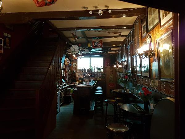 Café met 2 terrassen aan de Gracht en aanlegplaats rondvaartboot   foto 5