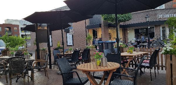 Eetcafé met Terras en Bezorgservice  foto 17