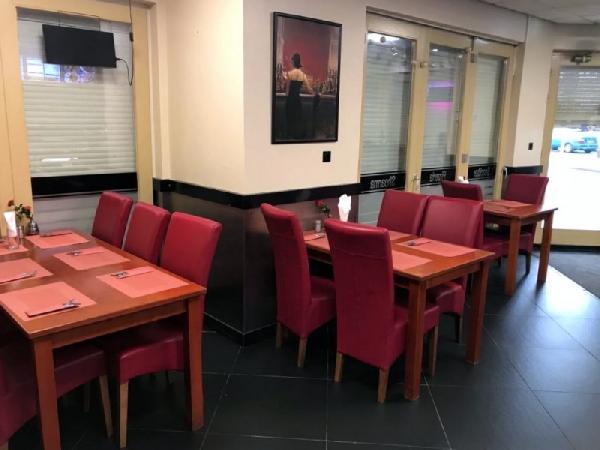 Cafetaria op een hoeklocatie te koop in Eindhoven foto 2