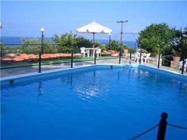 Mooi kleinschalig toeristisch hotel ter overname in Agios Nikolaos foto 5