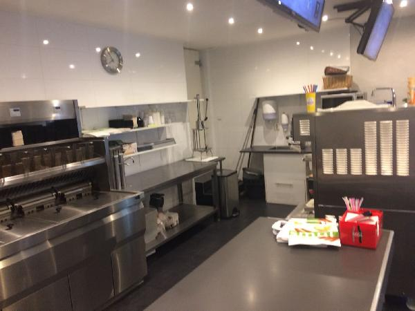 Leeuwarden goed lopende cafetaria te koop inclusief pand VERKOCHT foto 8