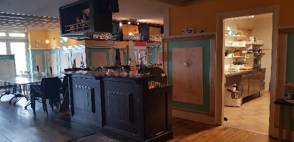 Cafe / Restaurant / Terras aan vaarwater Giethoorn foto 17