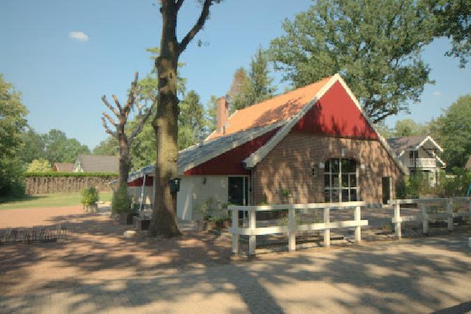 Casco horecaruimte aan rand van vakantiepark in Winterswijk  foto 1