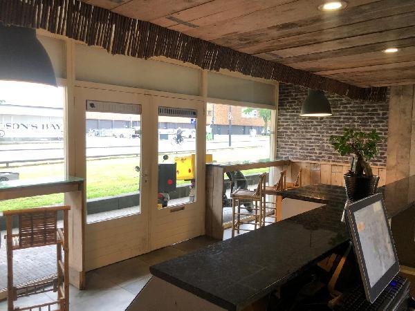 Afhaal & bezorg restaurant keuken, op super locatie op 2 adressen 2 bedrijven in 1 pand - Top Reviews foto 4
