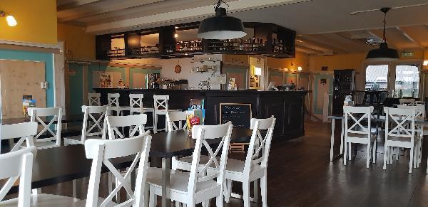Cafe / Restaurant / Terras aan vaarwater Giethoorn foto 22