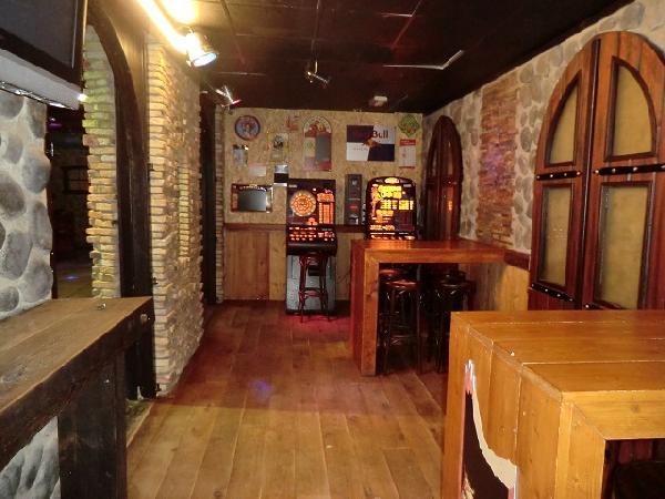 Buitenpost NIEUW overname inventaris Club39/Pub39 VERHUURD foto 9