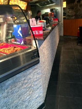 Cafetaria te koop met hoge omzet in uitgaanscentrum Eindhoven foto 4